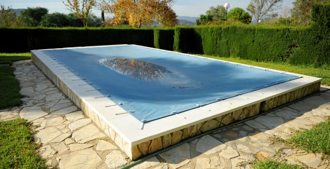 closing pool for winter