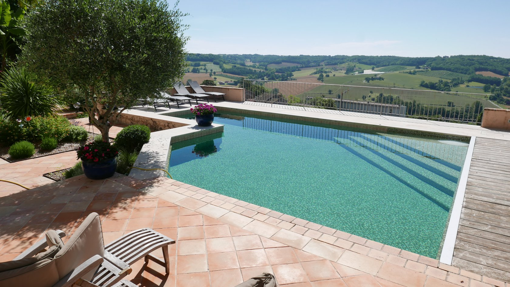 Mettre Piscine Sur Terrain En Pente quel est le meilleur emplacement pour construire sa piscine